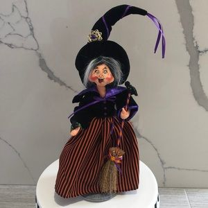 Annalee Halloween 🎃 Witch with broom